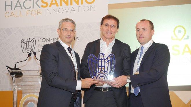 HackSannio. Francesco Boccia con Filippo Liverini e Pasquale Lampugnale