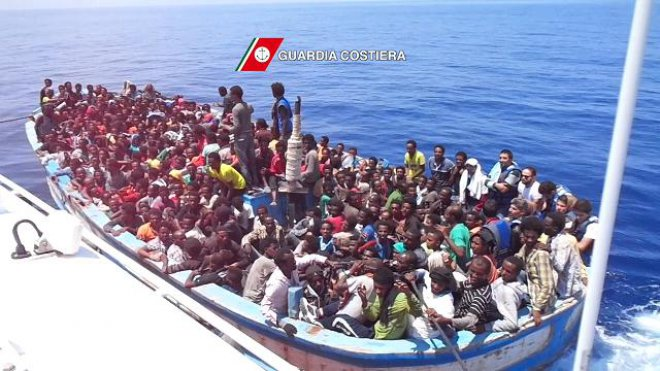 Guardia costiera, 888 migranti in salvo a 35 miglia dalle coste libiche (foto di archivio)