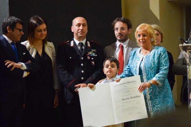 il maresciallo Armellino durante la premiazione