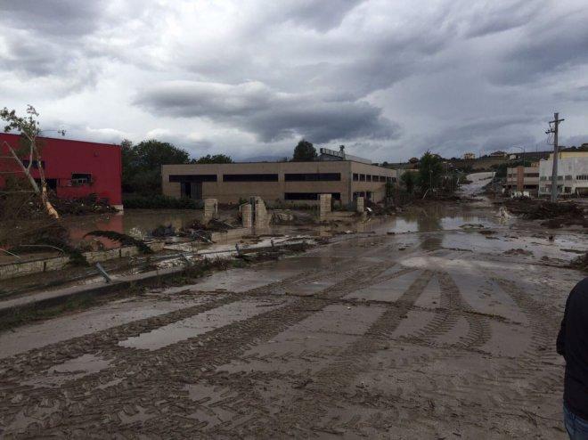 Alluvione 2015 aziende danneggiate a Ponte Valentino