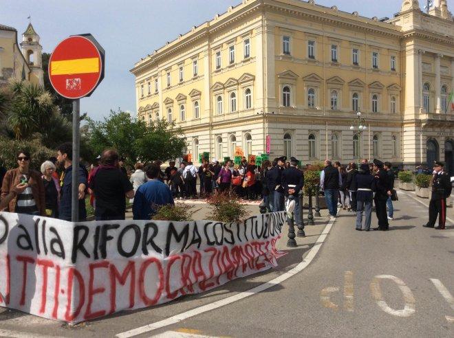 Proteste contro il ministro Boschi align=