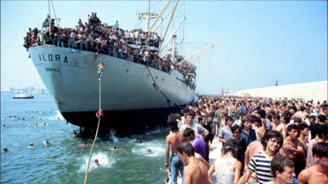 Bari ricorda la Vlora: 28 anni fa lo sbarco di 18mila albanesi