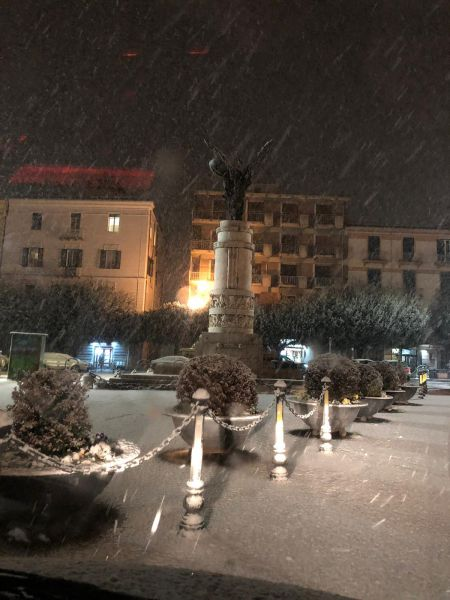 Benevento by Night mentre nevica - foto di Teresa Gianbattista