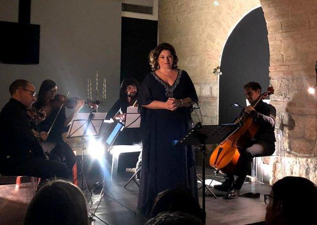 soprano Eleonora Arpaise
