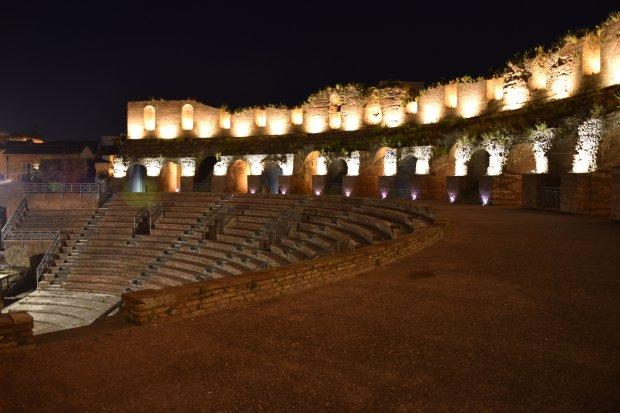Teatro Romano - La nuova illuminazione realizzata da Gesesa