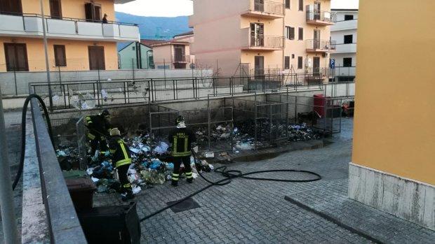incendio rifiuti Maugeri