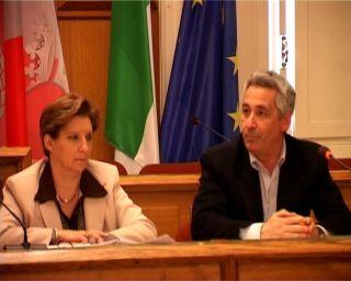 Sandra Sandrucci e Gabriele Corona nel corso della conferenza stampa