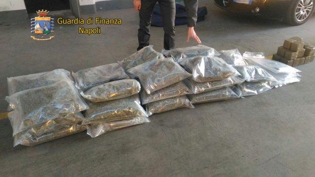 Napoli. Arrestato dalla  Guardia di finanza un insospettabile professionista, maxi sequestro di droga