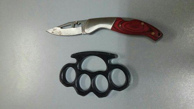 Tirapugni e coltello sequestrati a un giovane di solopaca