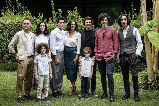 Il cast con Emilio Fallarino