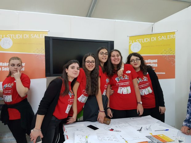 Studentesse del Liceo Guacci a Citta' della Scienza contro la ludopatia