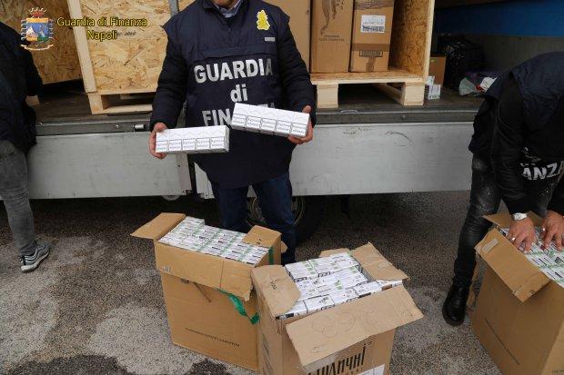 Napoli. Sequestrati dalla Finanza 5 Quintali di sigarette di contrabbando
