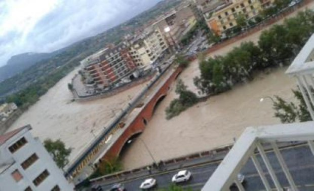 Alluvione a Benevento del 15 e 19 ottobre 2015. Fiume Calore, Ponte Vanvitelli