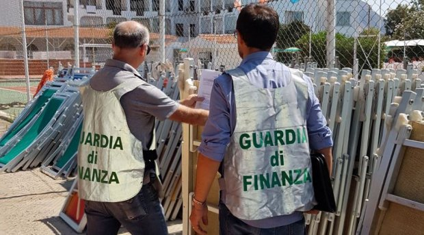 Guardia di Finanza di Caserta. Sequestro lido abusivo