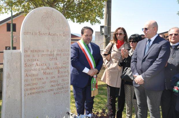 S.Agata dei Goti, inaugurata una piazza e una Stele ad Angelo Mario Biscardi, vittima della camorra