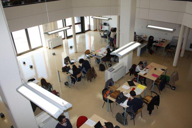 Area lettura e laboratori Unisannio