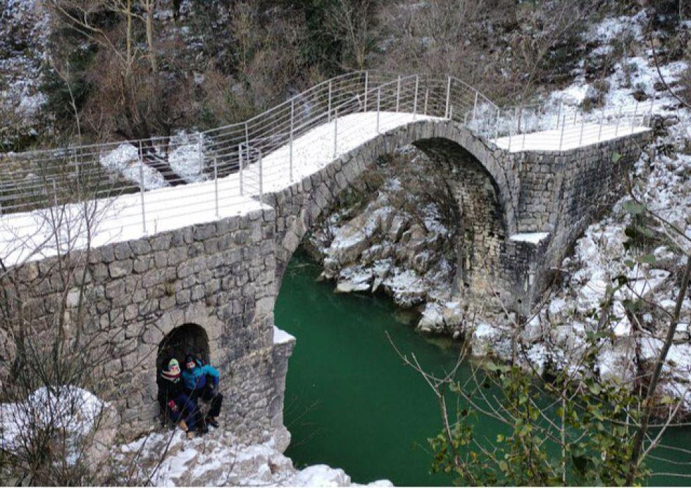 Gallery fotogallery i comuni del sannio sotto la neve for Foto di ponti coperti