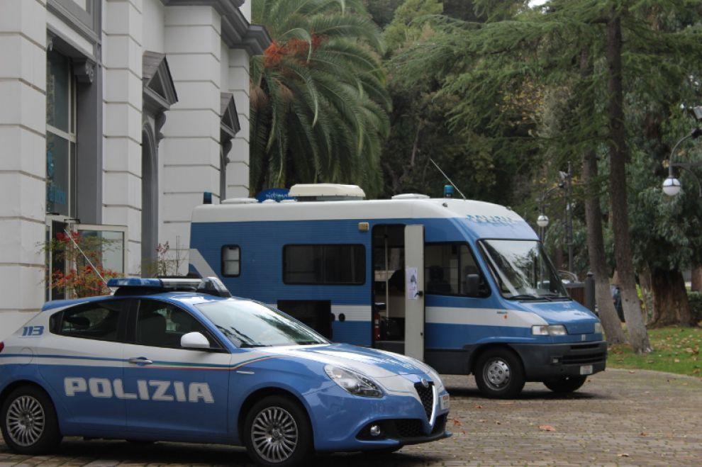 Ha Fatto Tappa A Telese Terme Il Camper Della Polizia Di Stato
