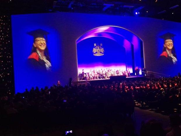 Fiorenza Ceniccola, laureata in Diritto e Relazioni Internazionali presso l'Universita di Sussex