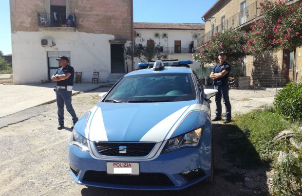 Blitz della Polizia in un centro immigrati a Dugenta
