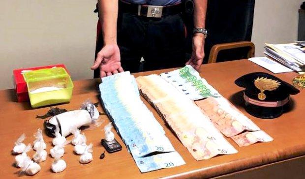 Benevento. Cocaina e contanti sequestrati dai Carabinieri allo spacciatore 25enne