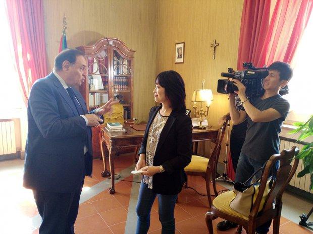 Clemente Mastella intervistato dalla tv di Stato giapponese