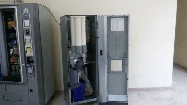 Distributori automatici svaligiati (foto di archivio)
