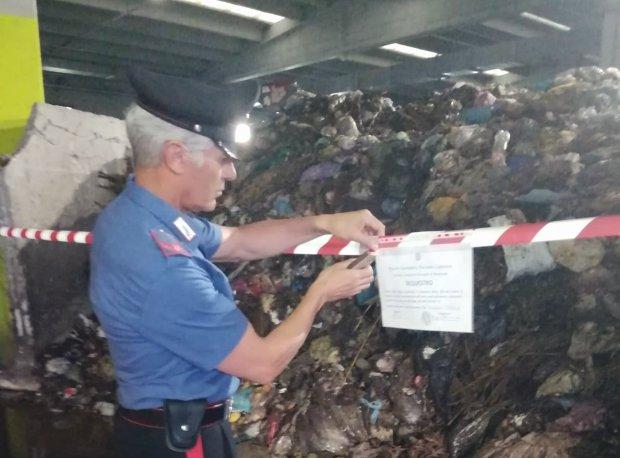 Carabinieri Forestali - sequestro rifiuti Zona Industriale di Ponte Valentino