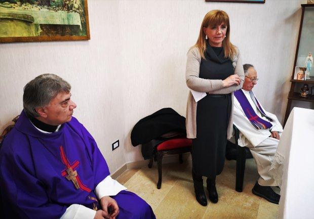 Auguri Di Buon Natale Al Vescovo.Cmr Gli Auguri Di Natale Con Il Vescovo Battaglia Il Quaderno