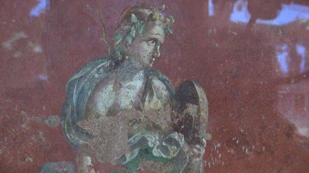 Pompei. Dopo 7 anni riaperta al pubblico la palestra grande, con i dipinti mai visti