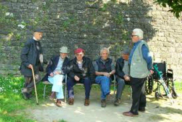Pensionati (foto di archivio)