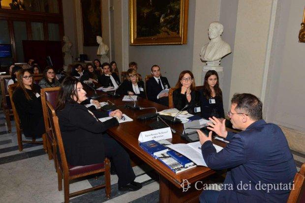 Terremoto, sindaci delle Marche a Montecitorio: anche Castelli sarà a Roma