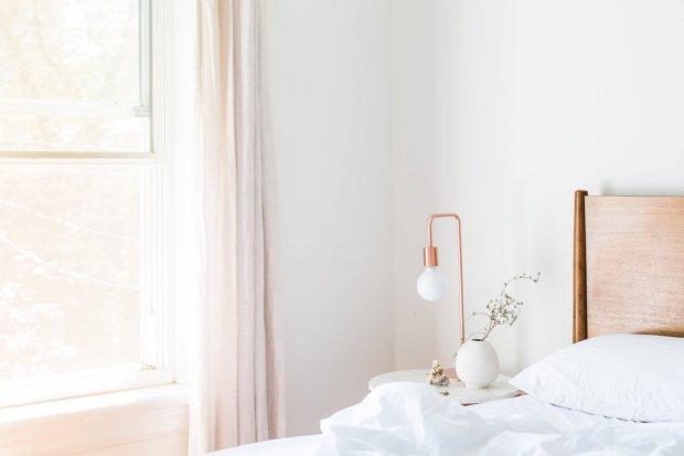 Soluzioni per la casa: arredare una camera da letto moderna in 3 ...