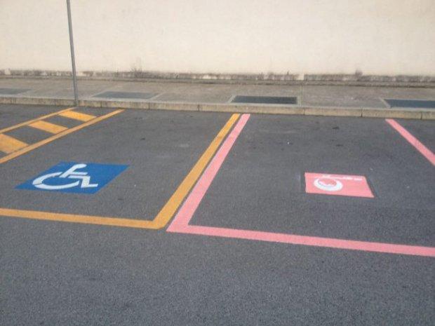 Parcheggi Rosa (foto il nuovolevante.it)