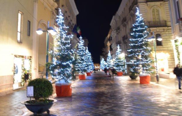 Alberi di Natale sul Corso Garibaldi (2018)