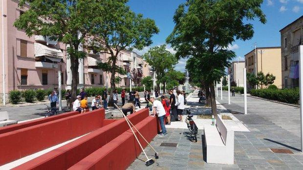 Attivisti puliscono Spina Verde