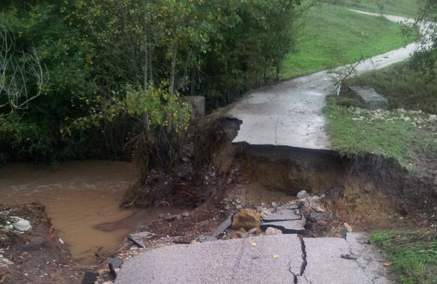 Alluvione 2015. Strada franata