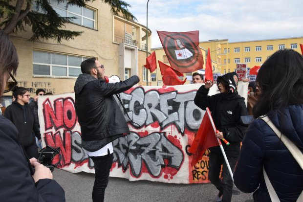 Manifestazione del Collettivo Studentesco e del CUB contro il decreto sicurezza di Salvini