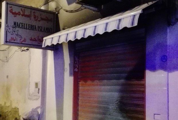 Macelleria islamica danneggiata da incendio doloso
