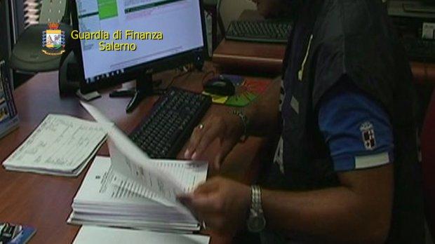 Salerno. Operazione  Ghost Cheques