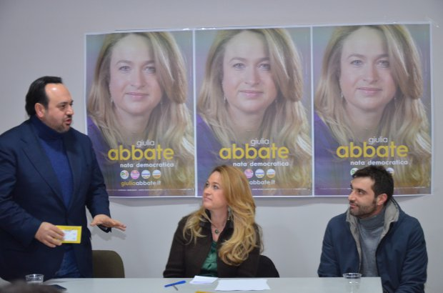 Giulia Abbate con Carmine Valentino e Mino Mortaruolo