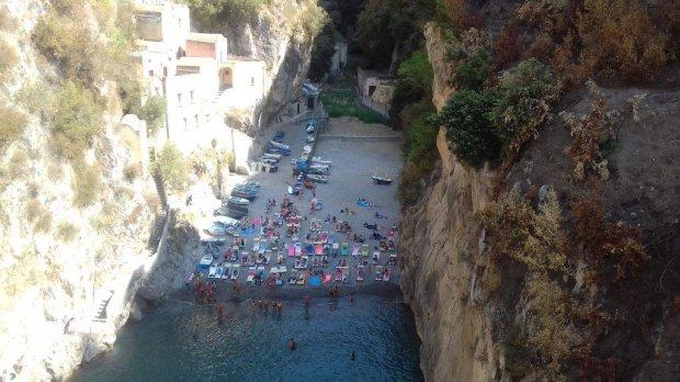 Furore (Salerno). Area balneare abusiva