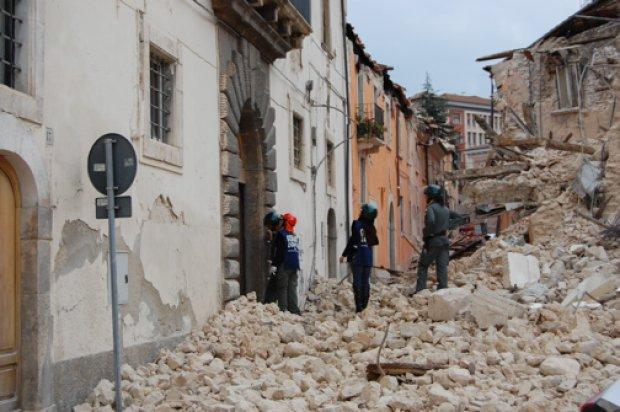 Sisma a L'Aquila: 10 arresti