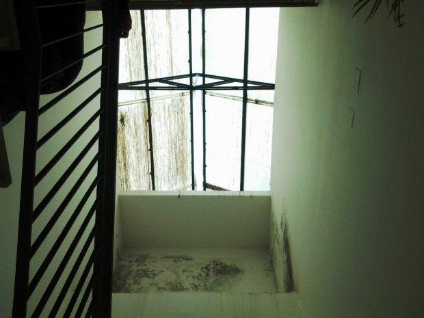 S. Agata. Vola una parte del lucernario in una casa dello Iacp - il ...