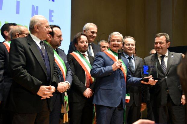 Passaggio del testimone tra Portogallo e Italia per la Citta' Europea del Vino a Sannio Falanghina
