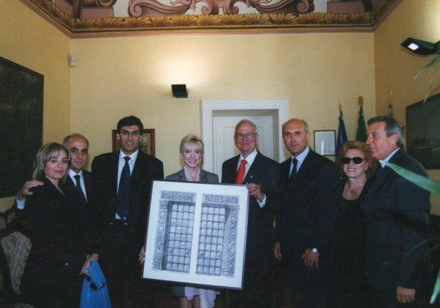 Lee Iacocca riceve il Gladiatore Sannita (2002)