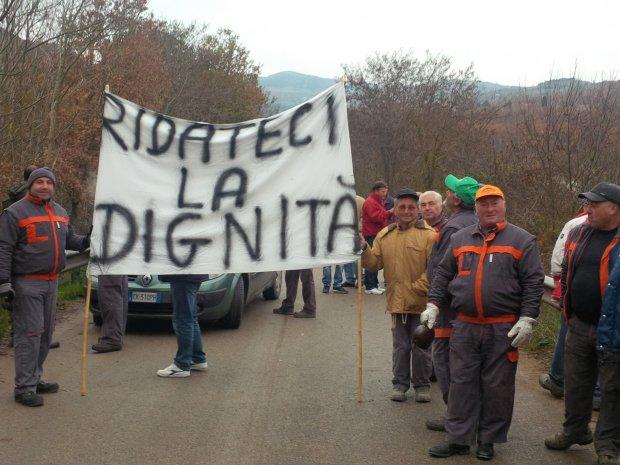 Protesta degli operai forestali (foto di archivio)