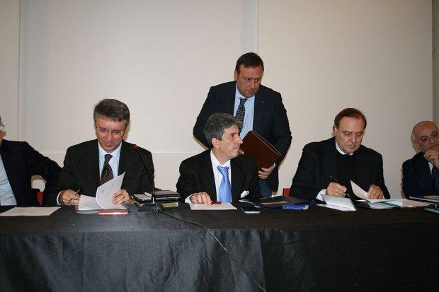 Benevento. Il presidente ANAC, Raffaele Cantone, il Procuratore Giovanni Conzo e il sindaco Clemente Mastella