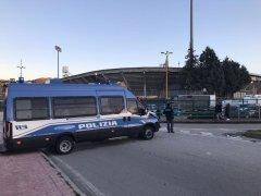 Polizia nei pressi dello Stadio Ciro Vigorito