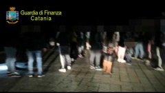 Catania, discoteca abusiva scoperta dalla guardia di finanza: 26 denunciati